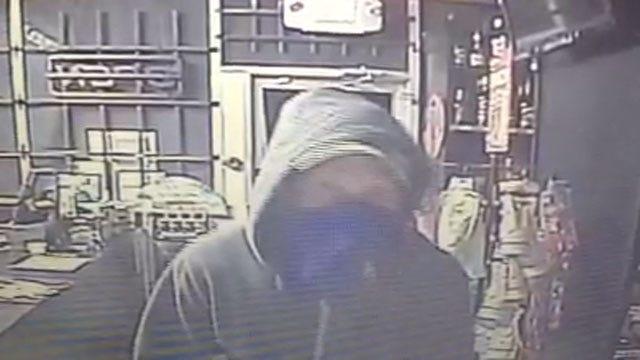 Cameras Record Burglary Suspect In McClain County
