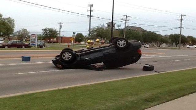 Rollover Accident Briefly Closes Part Of 15th Street In Edmond