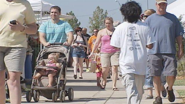 Despite Heat, Crowds Enjoy Arts Festival Oklahoma In OKC