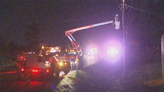 Crash In Midwest City Briefly Cuts Power To Customers