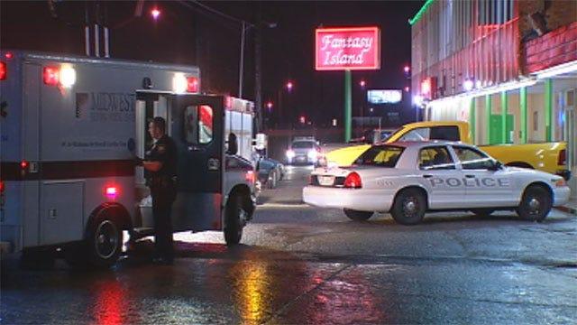 Man Robbed By Gunmen At Del City Strip Club