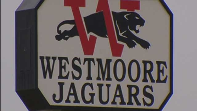 Moore Cheerleading Coach, Trainer Accused Of Offering Alcohol, Drugs To Students