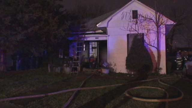 Fire Breaks Out At Home, Garages In NW OKC