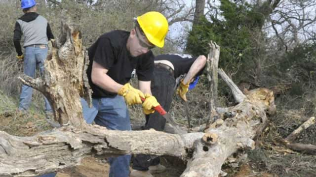 Ft. Sill Soldiers Volunteer To Clean Up Wichita Mountains Wildlife Refuge