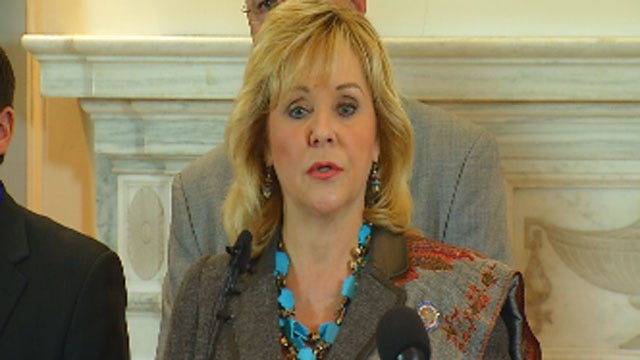 Governor Fallin Announces Deal To Cut State Income Tax