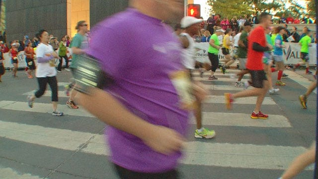 Runners Show Out En Masse To Honor OKC, Boston Tragedies