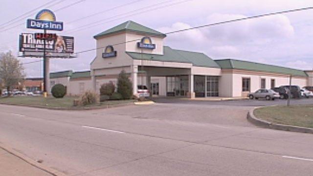 Police Investigating Murder-Suicide At SE OKC Hotel