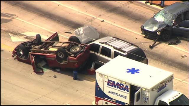 Crews Clear Multi-Vehicle Accident In SW OKC