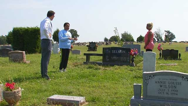 NFL Hall Of Famer's Widow Tries To Improve OKC Cemetery Where Husband Buried