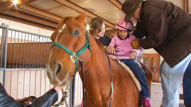OK Mother, Trainer Provides Free Horse Therapy For Special Needs Children