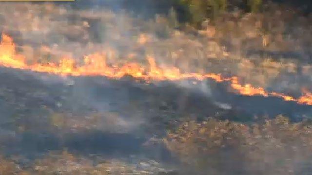 Crews Battle Grass Fire In Chandler