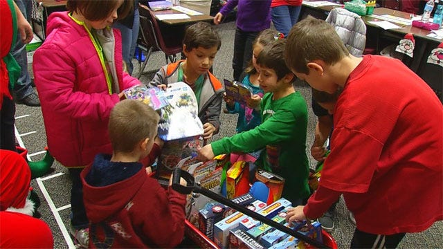 Santa Visits Students From Briarwood, Plaza Towers Elementary Schools
