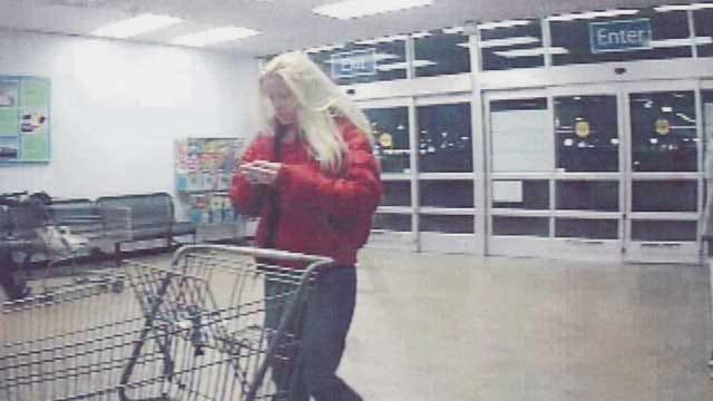 Edmond Police Seek 4 Suspects Using Stolen Credit Cards At Moore Walmart