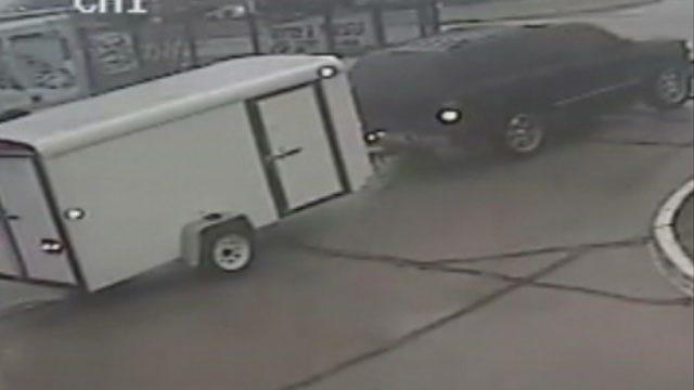 OKC, Yukon Police Investigate Burglaries At Storage Facilities