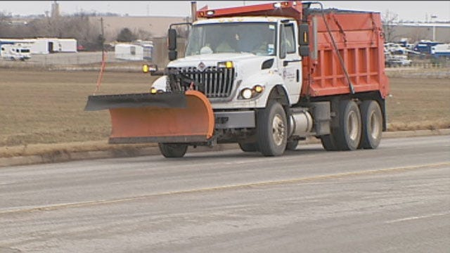 OKC Road Crews On Standby For Significant Winter Storm