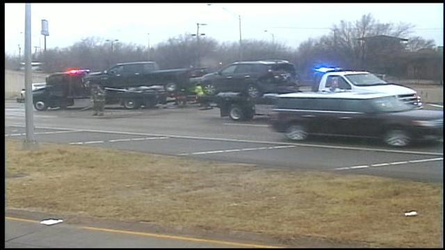 Accident On I-44 Briefly Shuts Down Eastbound Lanes At Penn