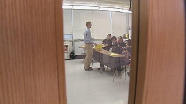 Heated Debate Begins On Proposed Law To Arm OK Teachers