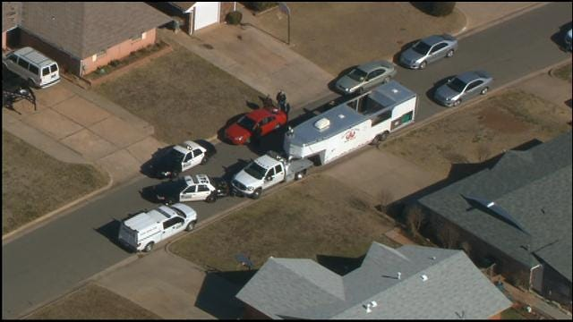 Homes Evacuated While Bomb Squad Searches SW OKC House