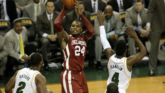Oklahoma Hangs On To Defeat Baylor In Waco