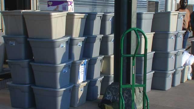 Heartland Flyer Brings Loads Of Supplies To Oklahoma Tornado Victims