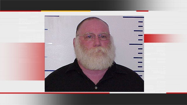 Warr Acres Man, School Santa, Arrested For Lewd Proposals To Child