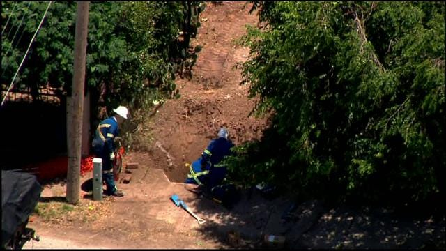 Gas Company Crew Stops Gas Leak In SE OKC