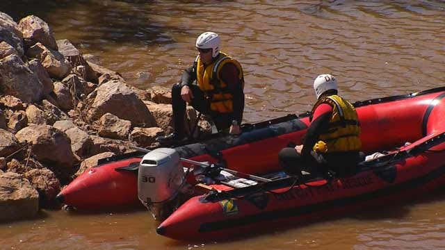 Crews Search River In NE OKC For Man Who Drowned While 'Noodling'