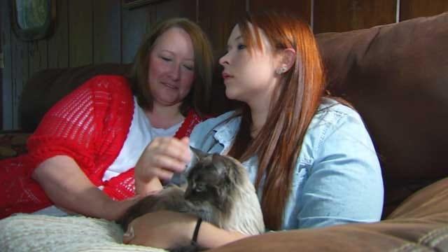 Family Finds Pet Cat Alive Inside Wall Of Destroyed Home In Moore