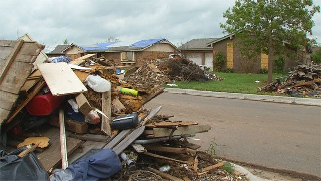 Shingle Recyclers Try To Swindle Oklahoma Tornado Survivors