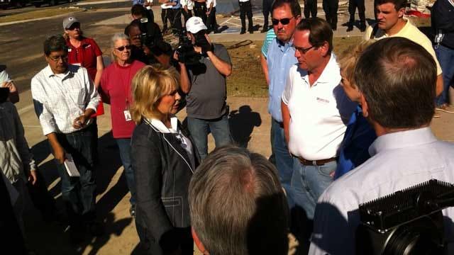 Governor Fallin Surveys Storm Damage In El Reno