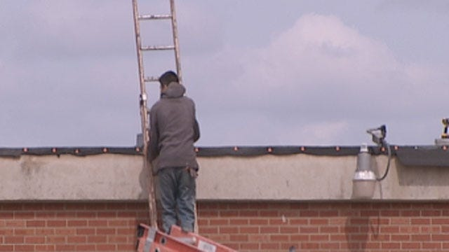 Oklahoma Lawmakers Debate Over Roofing Contracts