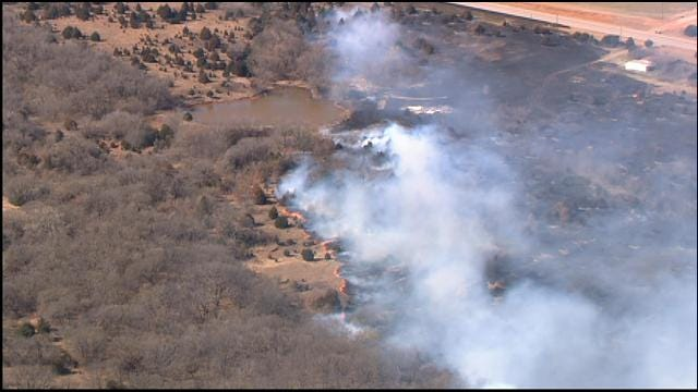 Grass Fire Destroys Mobile Home Near McLoud