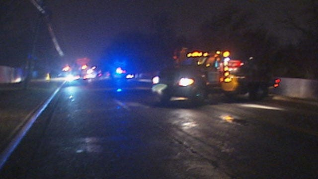 Three-Vehicle Crash Knocks Out Power To NW OKC Neighborhood