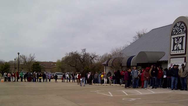 Lawyers Donate 1,400 Easter Hams To Oklahoma Families