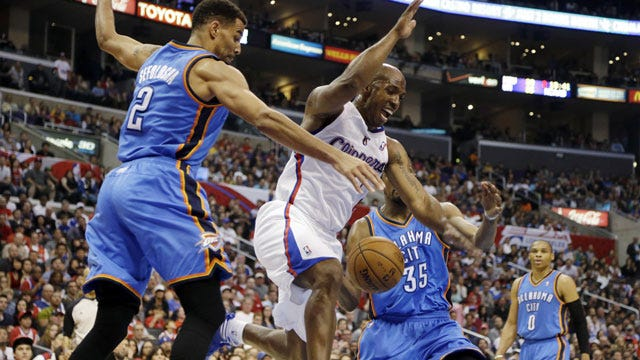 Thunder Holds Off Clippers In Los Angeles
