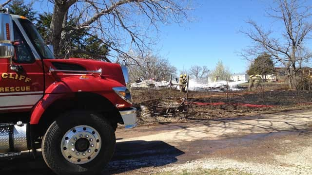 Grass Fire In Edmond Destroys Abandoned Mobile Home