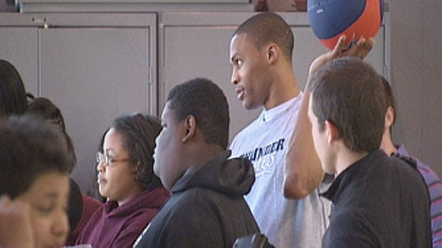 Thunder Players Host 'Thunder Fit Clinic' For Seeworth Academy Students