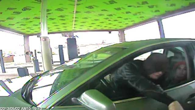 Police Seek Two Suspects Trying To Pass Stolen Check In NW OKC
