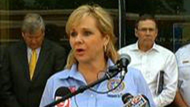 Gov. Fallin, Emergency Officials Host News Conference Following Deadly Tornado