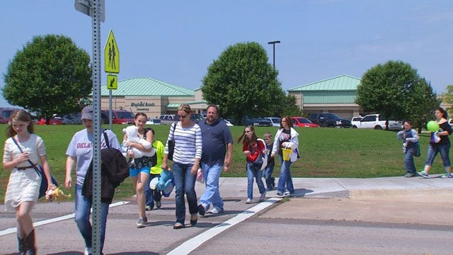 Briarwood Elementary Students, Teachers Reunited For Last Day Of School