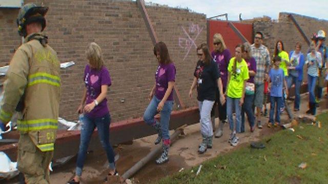 Briarwood Elementary Teachers Return To Tornado-Ravaged School