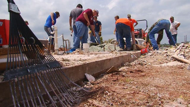 Hundreds Of Volunteers Turn Out For Carney Cleanup