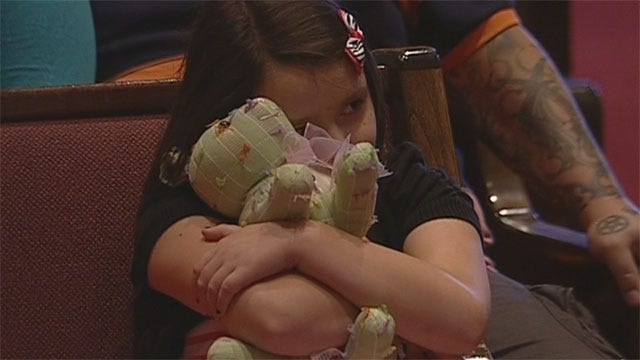 Thousands Attend Moore Prayer Service In Honor Of Tornado Victims