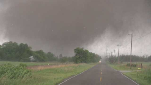 Val Castor, Wife Chase Deadly EF-5 Tornado