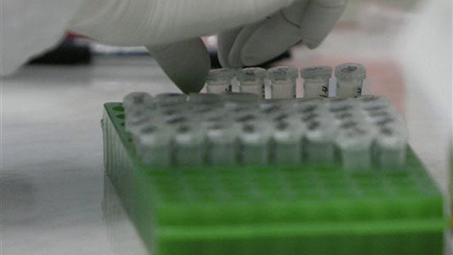 Gov. Fallin Helps Open New Genetics Lab At OU