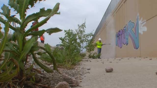 Crews Begin Cleanup Of Graffiti Along I-40 In OKC