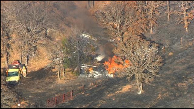 Crews Put Out Grass Fire In Edmond
