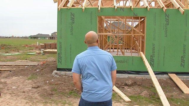 Man Who Lost Wife In Moore Tornado Slowly Rebuilding