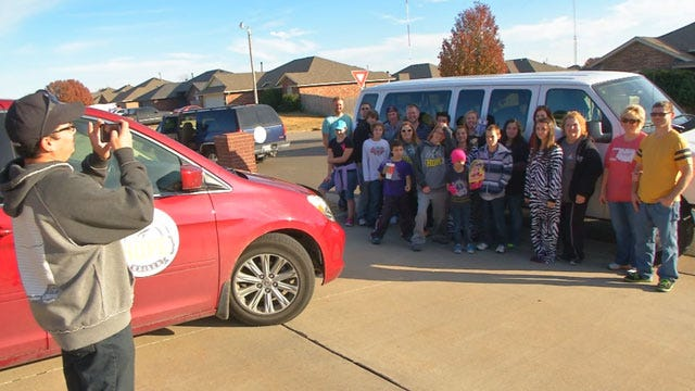 Moore Tornado Victims Look To Help Out In Illinois