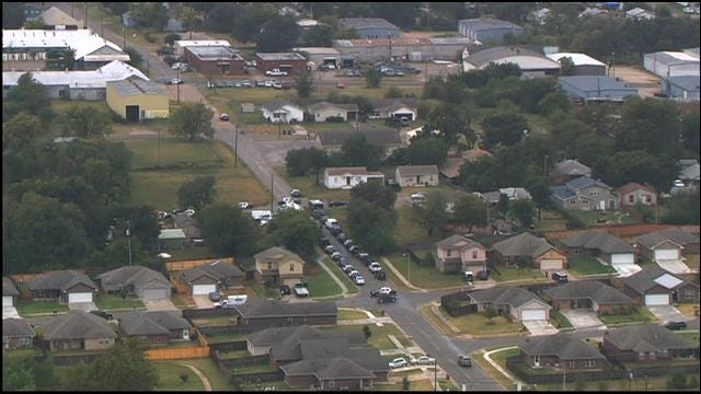 Tactical Team Gives 'All Clear' In SE OKC, Suspect Kills Self